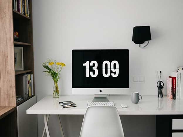 WorkstationsandDesks