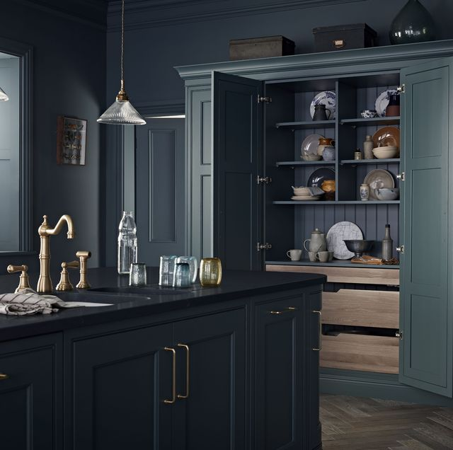 Larders for Small Kitchens That Can Also Serve as Home Offices